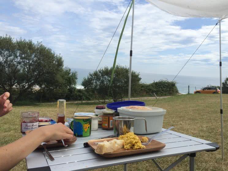 Frühstück am Playa de Oyambre